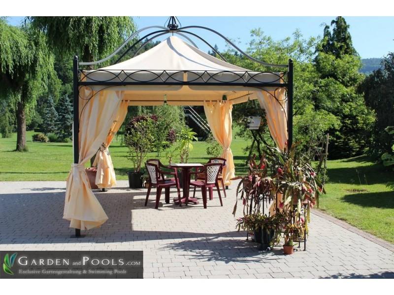 Massiver pavillon dubai garden and pools for Garden pool dubai