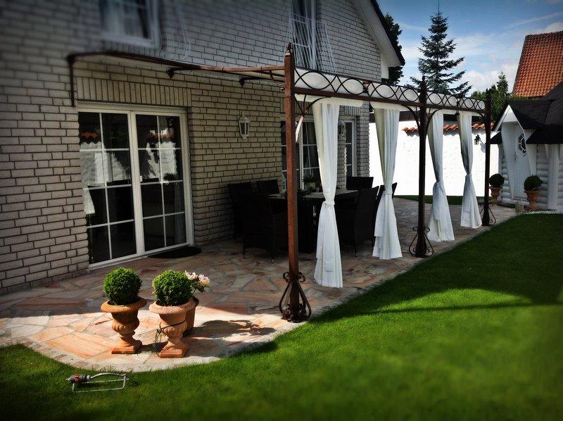 garden and pools pavillons terrassen berdachung. Black Bedroom Furniture Sets. Home Design Ideas